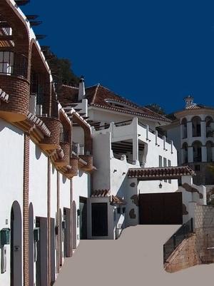 Strasse in dem weissen Dorf Almogia Andalusien Spanien Provinz Málaga Spanien