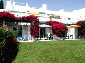 James Bond in der Ferienwohnung Azahara Marbella Andalusien Spanien