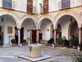 James Bond im Hausinnenhof in Antequera Provinz Malaga Andalusien Spanien