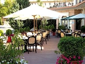 James Bond im Hotel Las Villas de Antikaria Antequera Provinz Malaga Andalusien Spanien