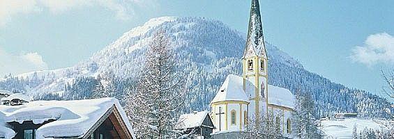 James Bond und das tief verschneite Kirchberg - Tirol/Österreich
