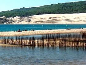 Lagune mit Düne in Tarifa - Costa de la Luz - Provinz Cádiz - Andalusien - Spanien