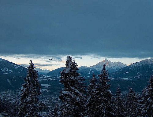 James Bond in den tiroler Alpen und in Innsbruck - Tirol/Österreich