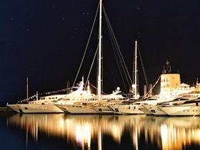 James Bond im Yachthafen von Puerto Banus Marbella Costa del Sol Provinz Malaga Andalusien Spanien