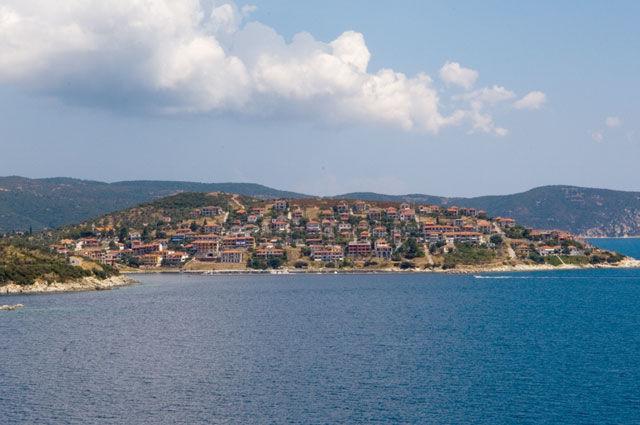 James Bond in Pyrgadikia, ein kleiner Fischerort zwischen den Halbinseln Athos und Sithonia in Chalkidiki Griechenland