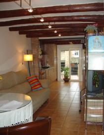 typisch katalanisches, preiswertes Haus Adosado mit Dachgarten in Ivars d´Urgell Lleida Katalonien Spanien zu verkaufen