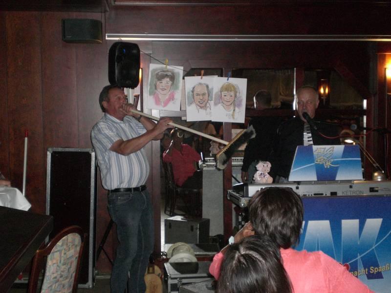 Zuchtfreund Hartmut Page überraschte alle mit seinem musikalischen Talent .