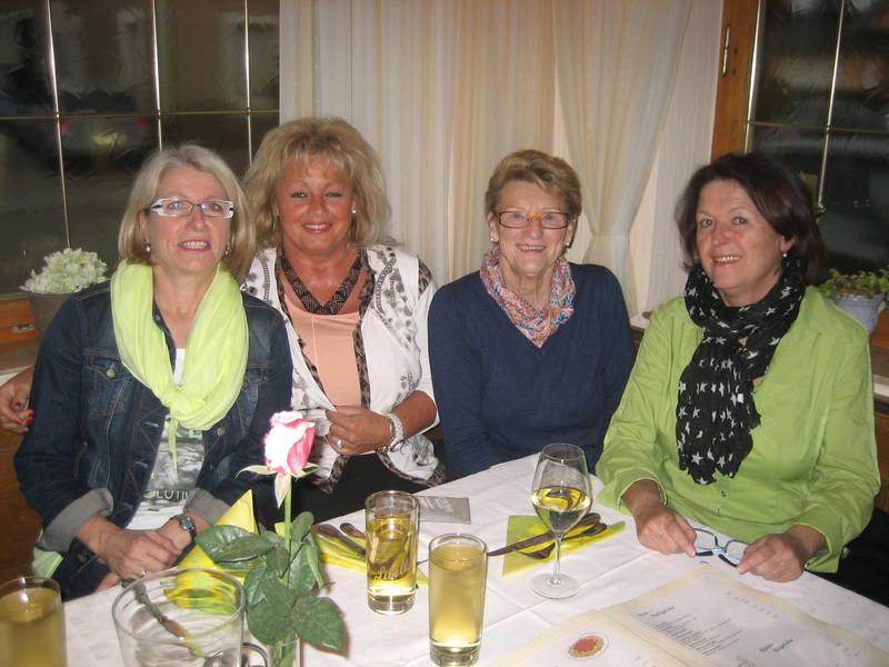 Unsere Damen 40: v.l. Hildegard Kinzel, Karin Voithenleitner, Rosa Löhle und Elisabeth Pfister