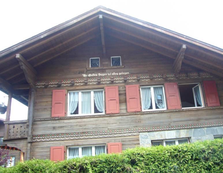 Das Pfarrhaus in Gstaad. Hier muss er gewohnt haben.