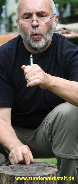 Kompressionsfeuerzeug mit Glut Gebrauchsanweisung