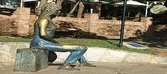 reiseleitung brasilien Suedamerika - Statue Brigitte Bardot in Buzios