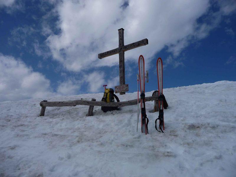 ganz allein am Gipfel 1642m