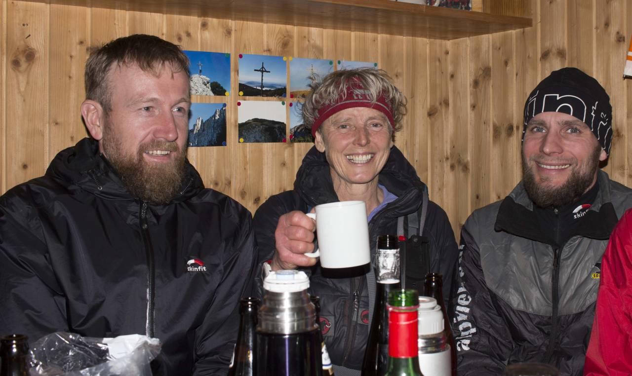 Rettung ium Winterraum; Da gibt es Bier, wein, Tee mit Schuß ...DANKE es war so kalt.