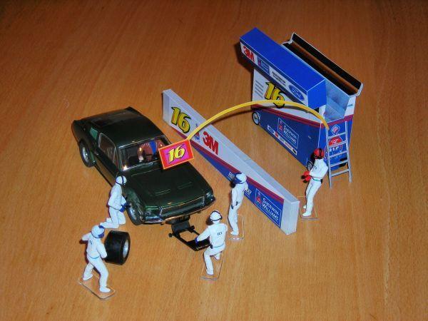 NASCAR-pitbox klein