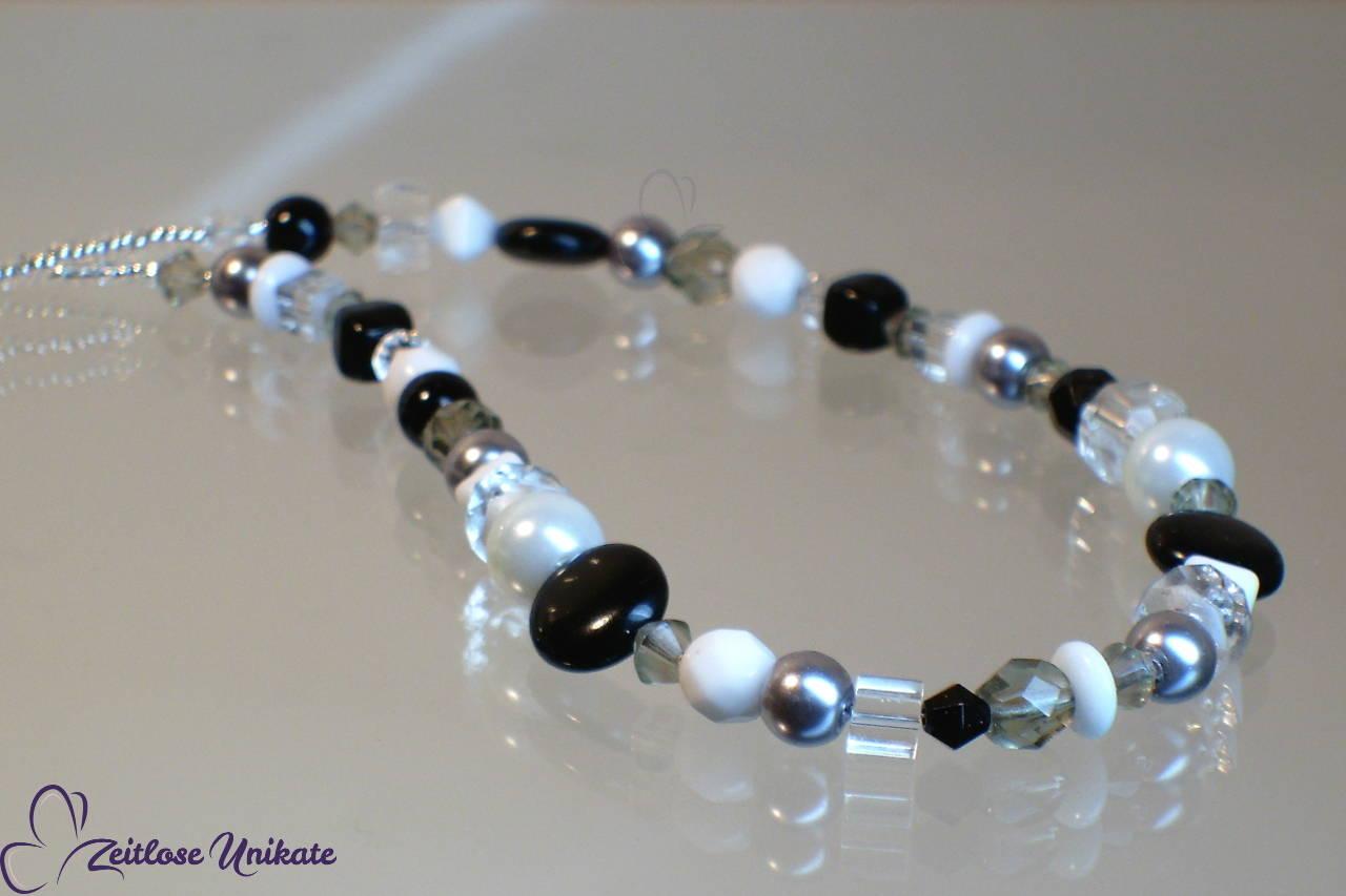 Halskette schwarz weiß - kleines Unikat