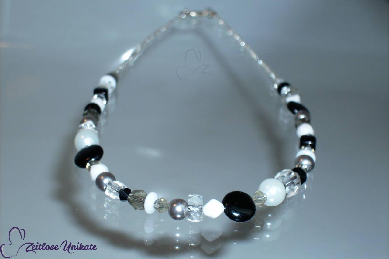 Meine erste Schmuckserie - ZUdurcheinander, Halskette schwarz & weiß