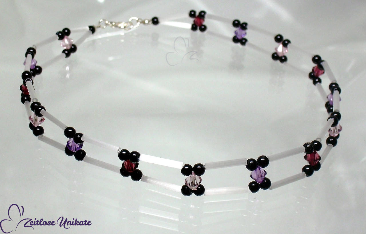 Choker - Kette in weiß, schwarz und lila als Beispiel
