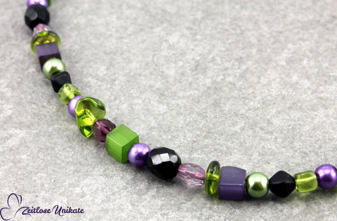 Glasperlenkette in grün und lila