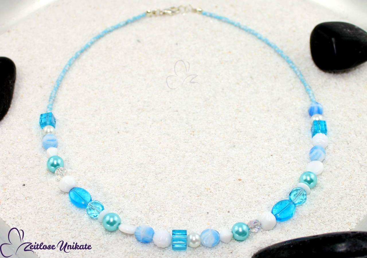 hellblau weiß Halskette