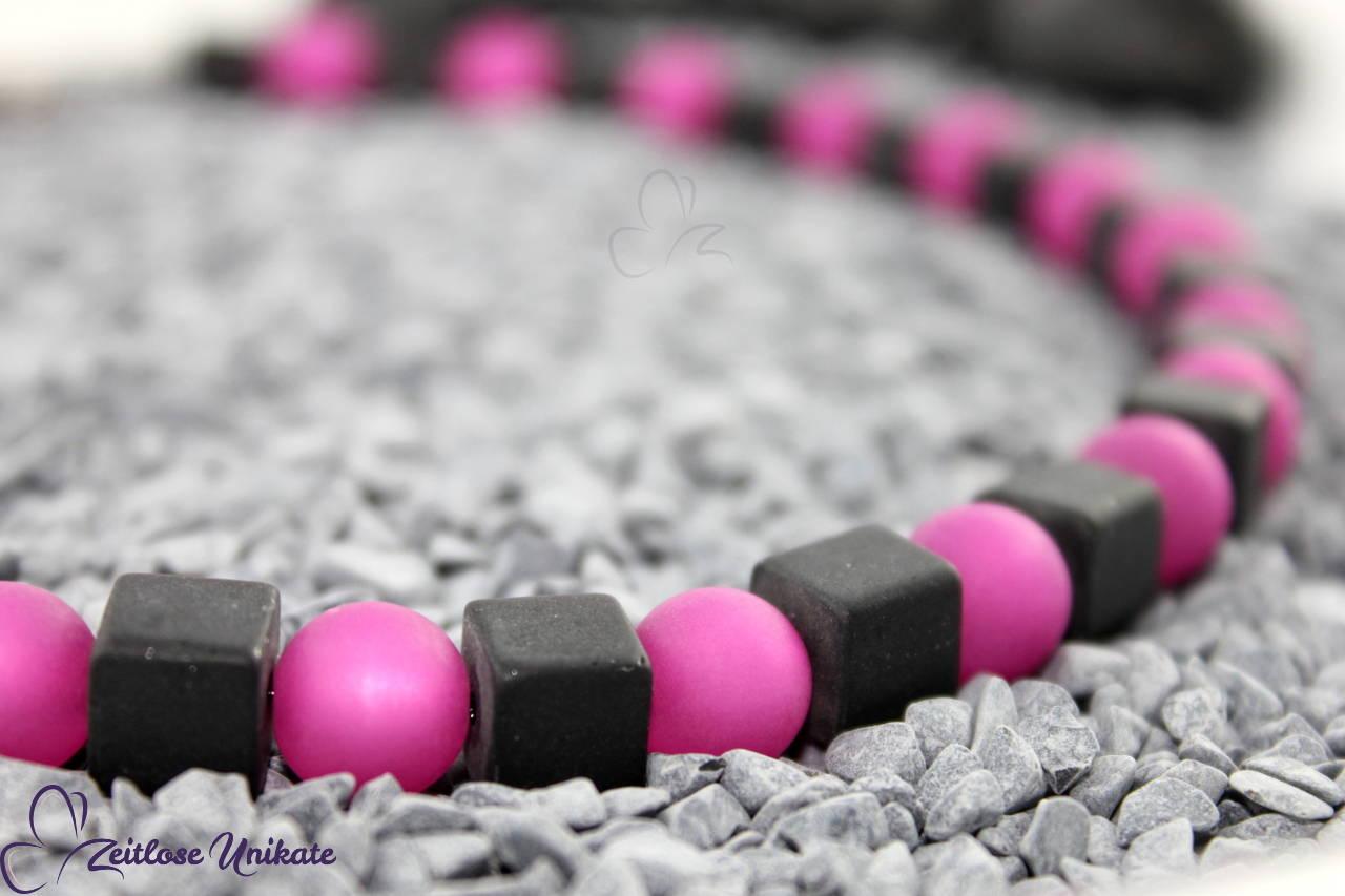 poppige Kette in Pink schwarz