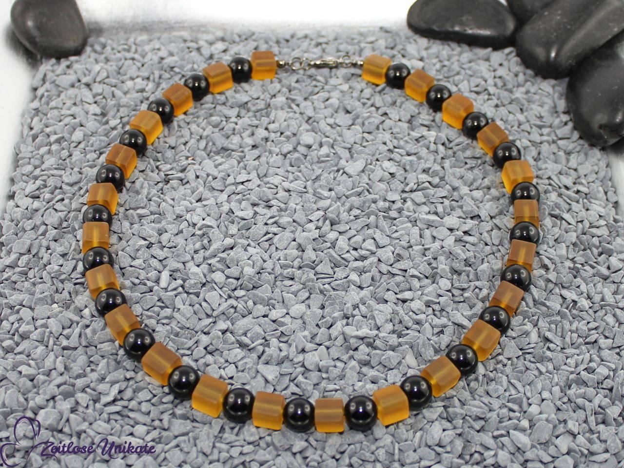 Collier in gelb und schwarz, einmalige Perlen
