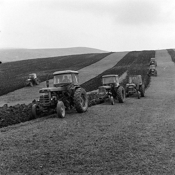 UTB traktorok.