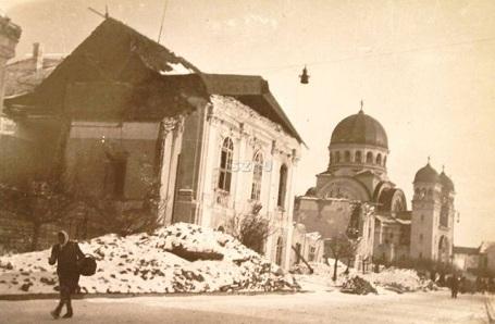 A püspöki palota romokban  !