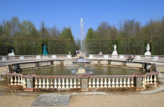 Wasserspiele im April 2010 -- © 2010 by J.S.
