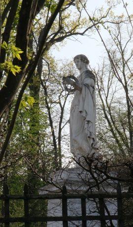 Flore Farnèse -- © 2010 by J.S.