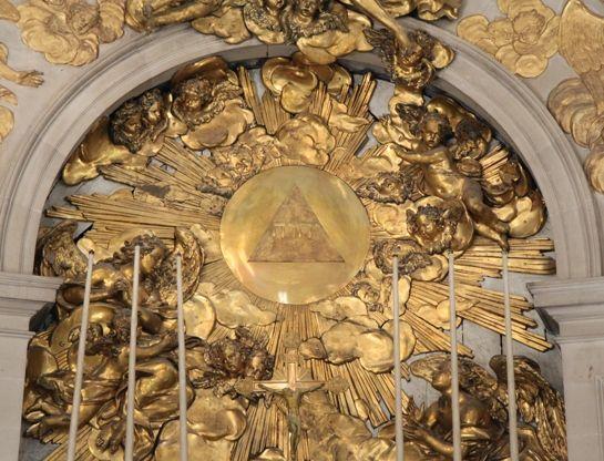 Pyramide im Hochzeitsbild ? :: MARIE ANTOINETTE - Forum