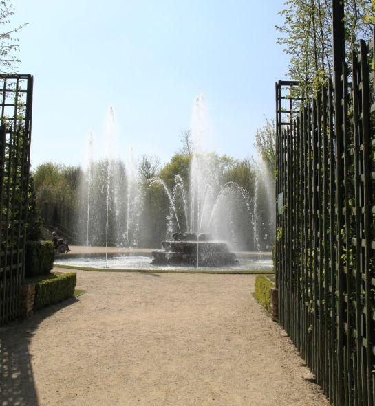 Eingang zum Boskett, während der Großen Wasserspiele -- April 2010