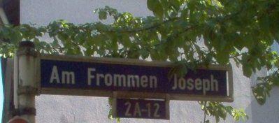 """Straßenschild """"Am Frommen Josef"""""""