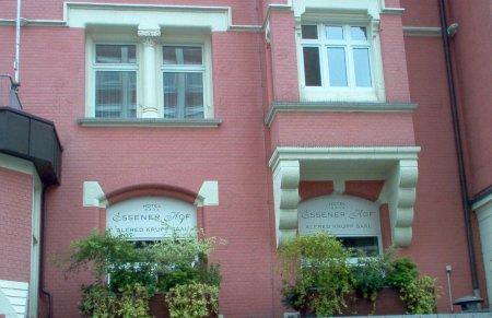 Hotel Essener Hof, Fassade Teichstraße über dem Astra Kino