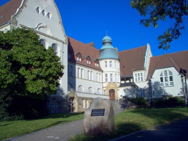 Rathaus Essen-Kray, Foto Claus Salewski, September 2006