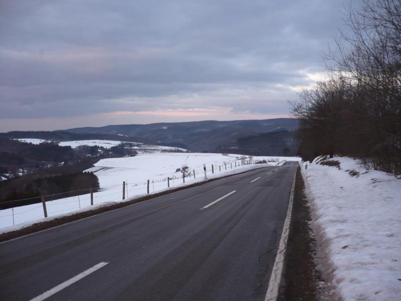 Die Straße war zwar frei aber Schnee gab es trozdem