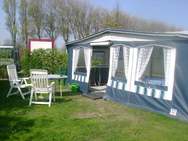 Mietwohnwagen Wohnwagen Zeemeeuw 2, Camping Julianahoeve, Meer