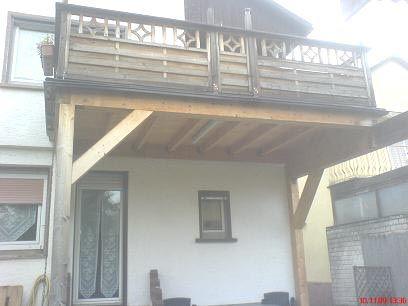 fertig aufgebauter balkon