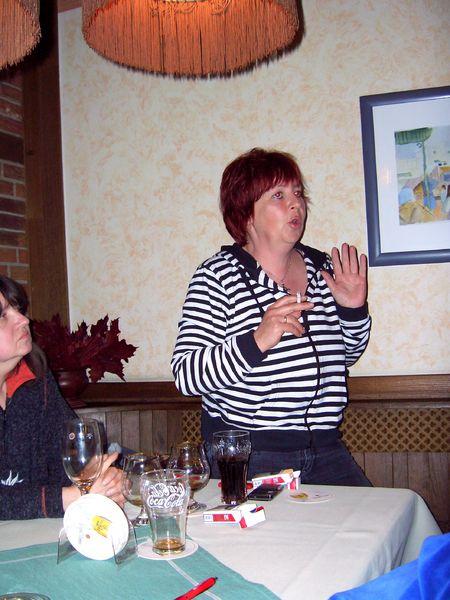 Vorsitzende des Bezirksverbandes Ela. Susanne Neumann.