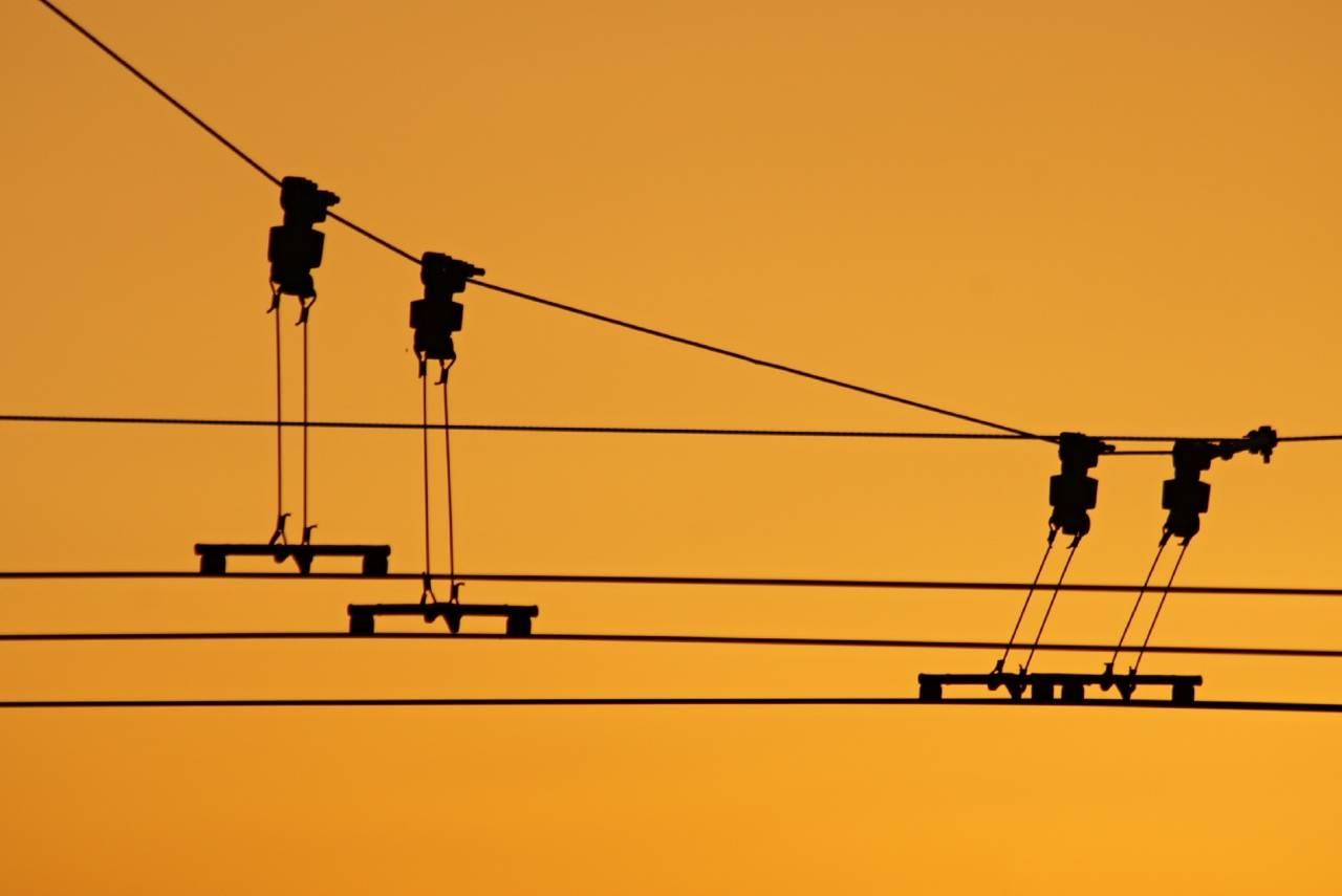 Sunset Oberleitung Sonnenuntergang Stromabnehmer Kabel Leitung O-Bus Bus
