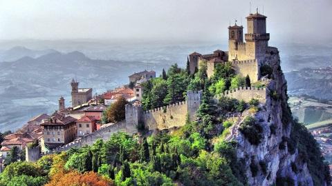 San Marino - Freiheit am Abgrund
