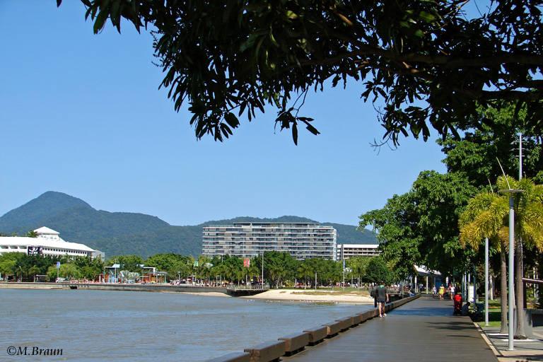 Die Strandpromenade in Cairns