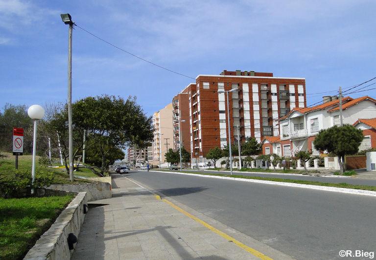 Die Küstenstraße von San Clemente del Tuyú