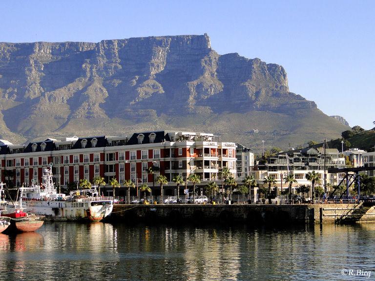 Der Blick von der Waterfront auf den Tafelberg