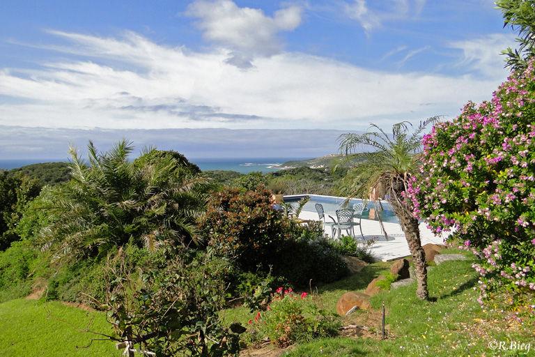 Herrliche Aussicht vom Garten der Lodge