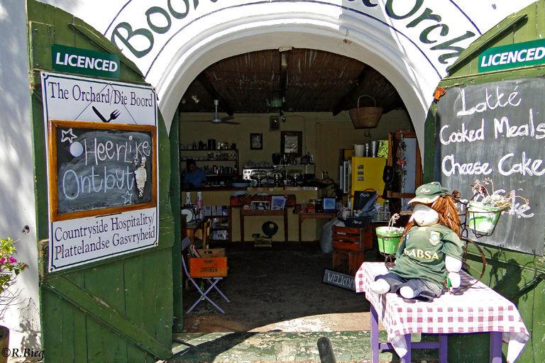 In dem Ort gibt es nette kleine Geschäfte