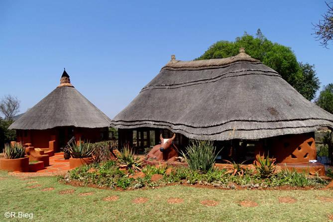 Restaurant und Lounge der Lodge