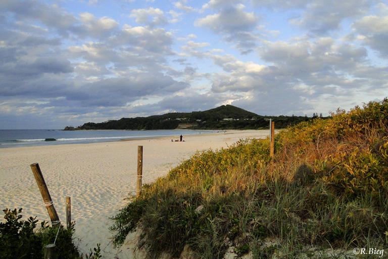 Der Strand vor unserem Motel in Byron Bay