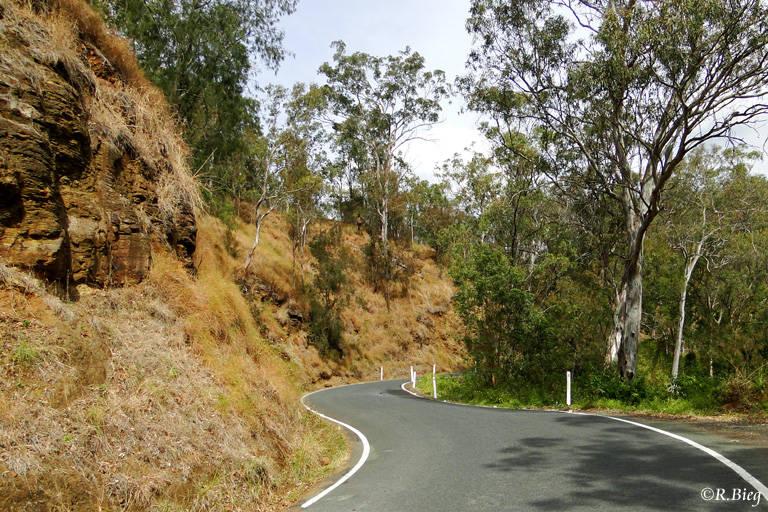 Eine enge Straße führt zur Green Mountains Section