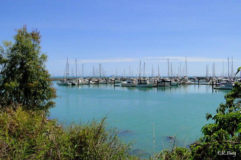 Der kleine Yachthafen von Airlie Beach