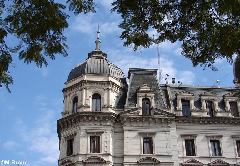 In Buenos Aires findet man noch viele gut erhaltene Gebäude